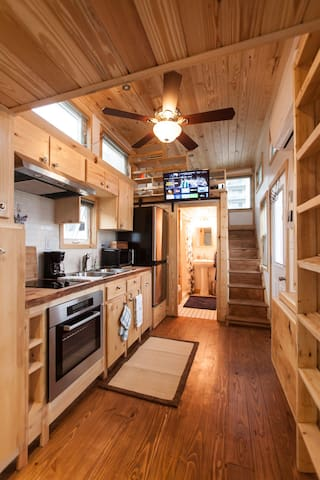 "Eco ""Tiny House"" Luxury, Minutes from Downtown - แอตแลนตา - บ้าน"