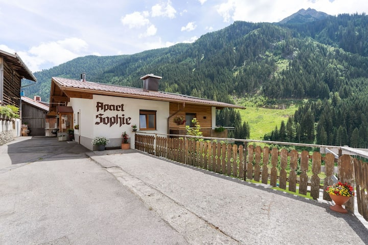 Beautiful properties situated onmountain rangesof Kppl