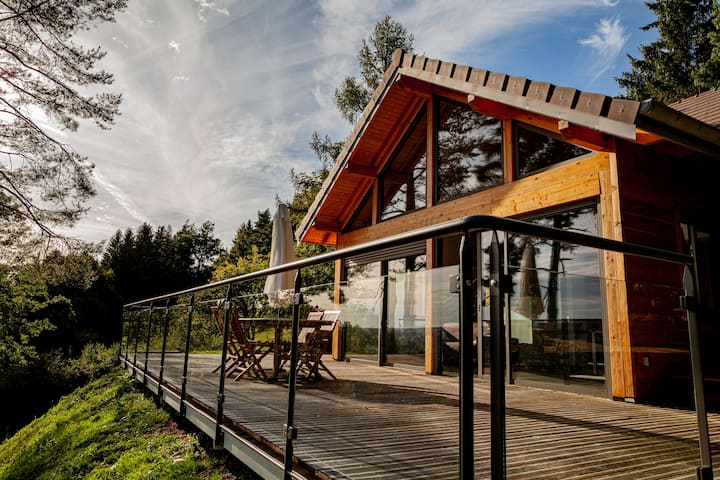 Grand chalet avec terrasse 60 m² , vue imprenable