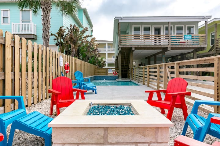 Bottoms Up:PRIVATE POOL , FREE 6 Seat Golf Cart, Boat Parking, Outdoor TV