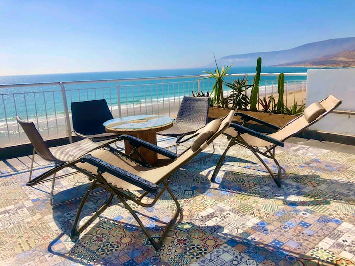 Outstanding Seafront Beach House Rosyplage