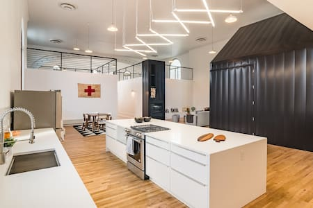 Modern luxury in converted church (w/ tiny house!) - Denver - Castell