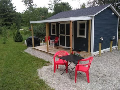 Guest cottage suite