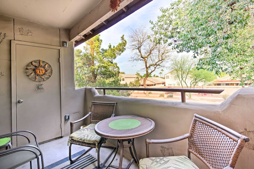 Enjoy the beautiful Arizona weather on the private 2nd-floor patio!