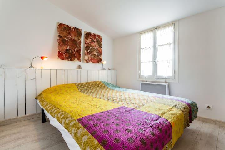 1ère chambre Main bedroom