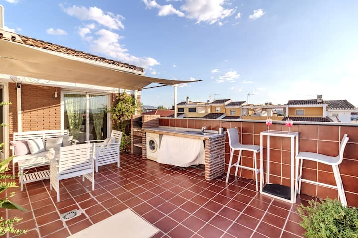 WOW!!! 5*PRIVATE TERRACE+BBQ, METRO, PARKING, MALL