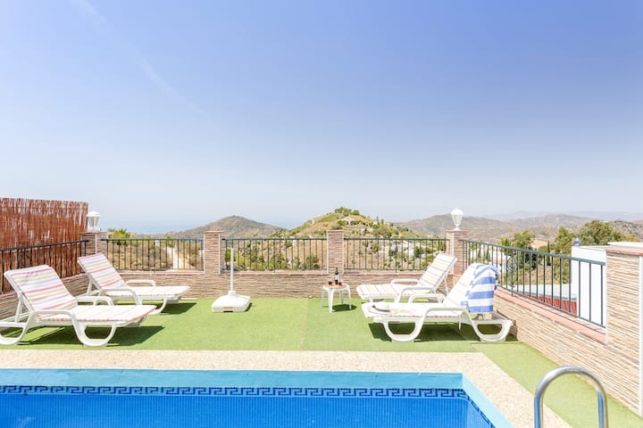 Villa with 2 bedrooms in Cómpeta, with wonderful sea view, private pool, enclosed garden - 18 km from the beach