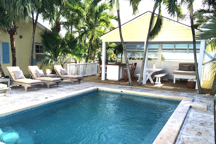 Charming Two-Home Property with Pool, In Town - Dunmore Town