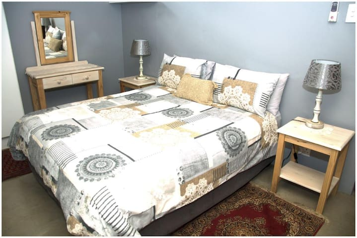 Tinley Manor Hils BnB Self Catering Flat
