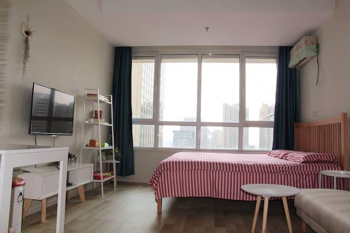 城市核心万达CBD近山东路独立整套公寓月租优惠