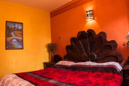 Africa Double B&B Share Bathroom - San Cristóbal de las Casas