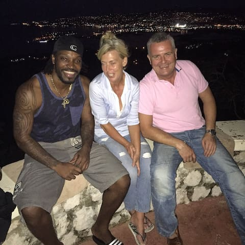 Chris Gayle No 1 Cricket Batsman for Jamaica chilling with owners at Waterfield Retreat