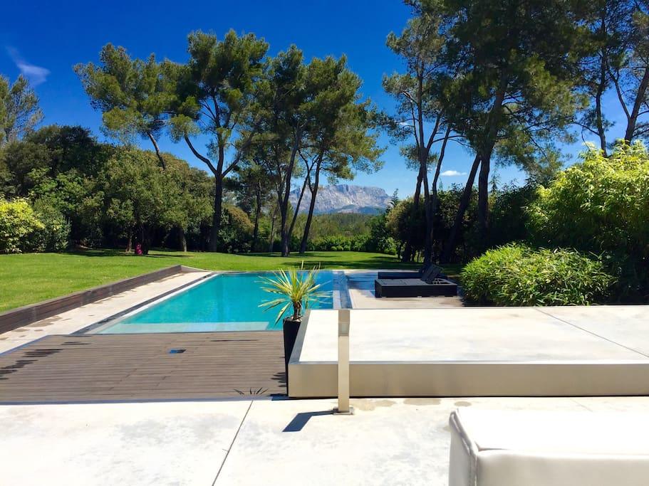 Pool and Sainte Victoire