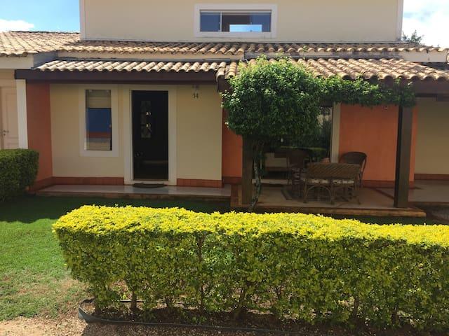 Linda casa em Jundiaquara próxima ao Clube ProVida