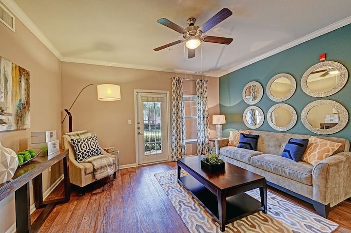 Relax in your own apartment home | 3BR in Houston