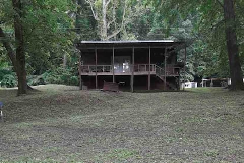 Grammys River Family cabin for huntin and fishin.