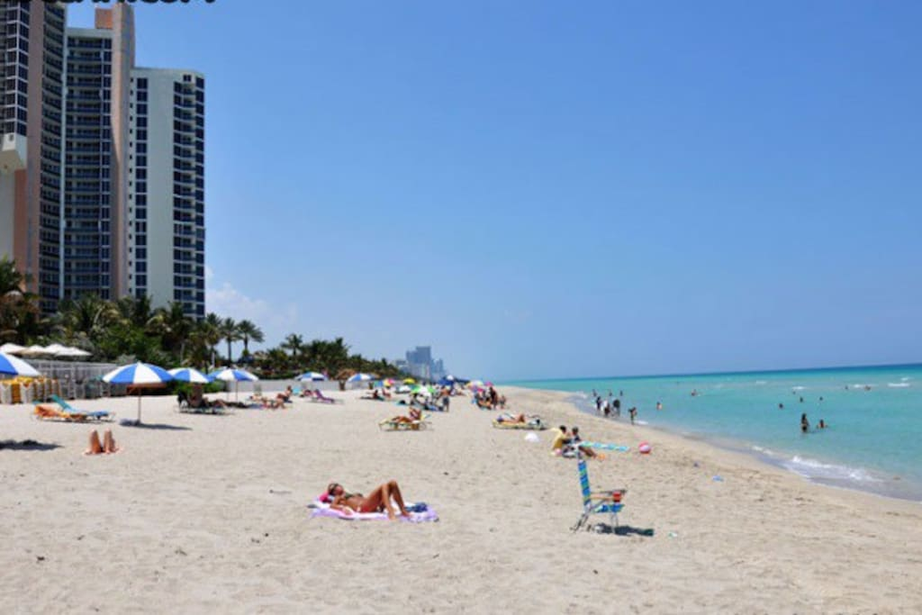 The beach is only a 5-minute walk from the condo building. Access to the beach across the street is free.