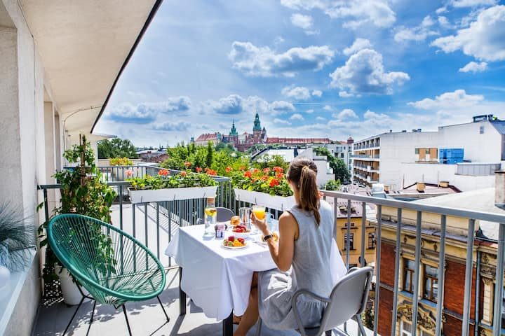 Amazing castle view,private terrace in Old Town 2