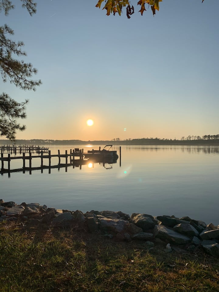 NEW LISTING Waterfront/Sunset Views/Dock/CrabShack