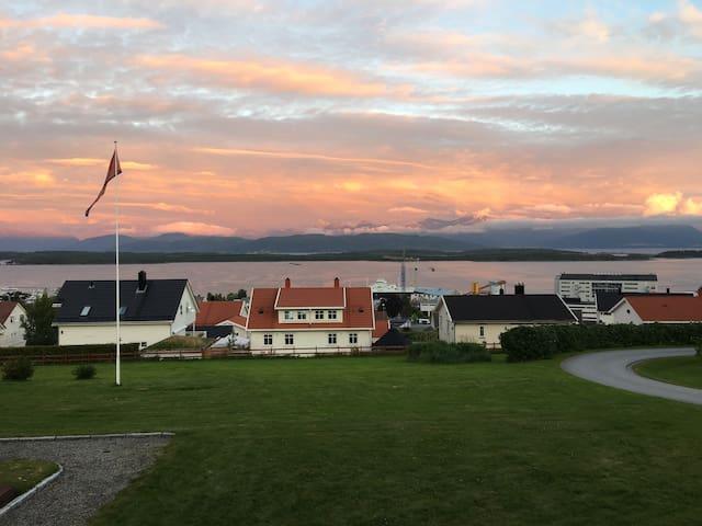 Fuglset Gård Sentralt i Molde