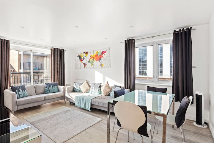 Modern 2bed,2bath apt near Canary Wharf, sleeps 6