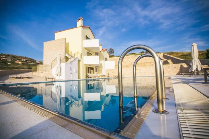 Anassia Villas - 2 bedroom Apartment near Nafplio