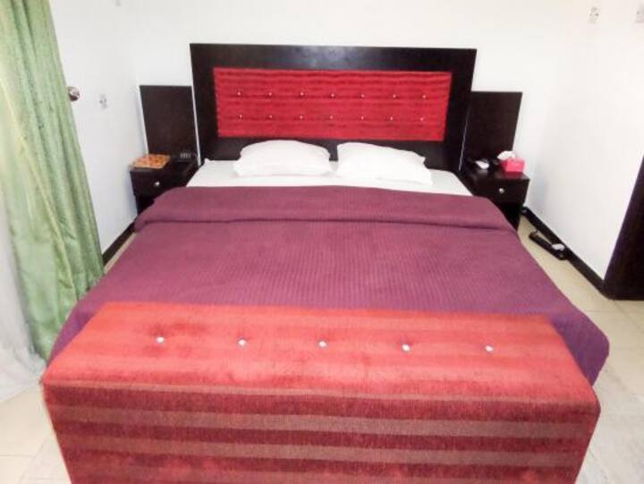 Private En Suite Junior Room