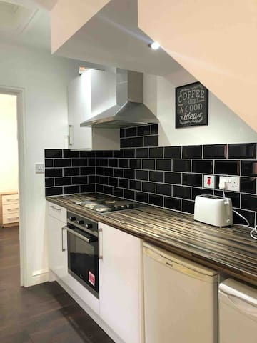 Safe Move (Flat 2 CS) -2 Bed Apartment