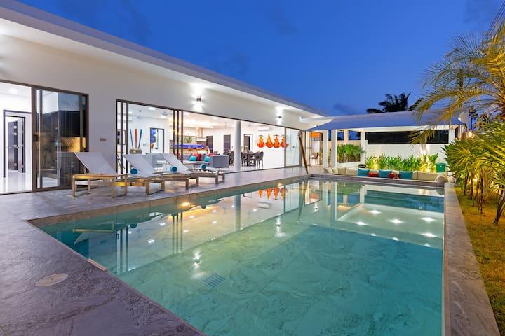Brand new Luxury Pool Villa, FANTASTIC design 4B❤️