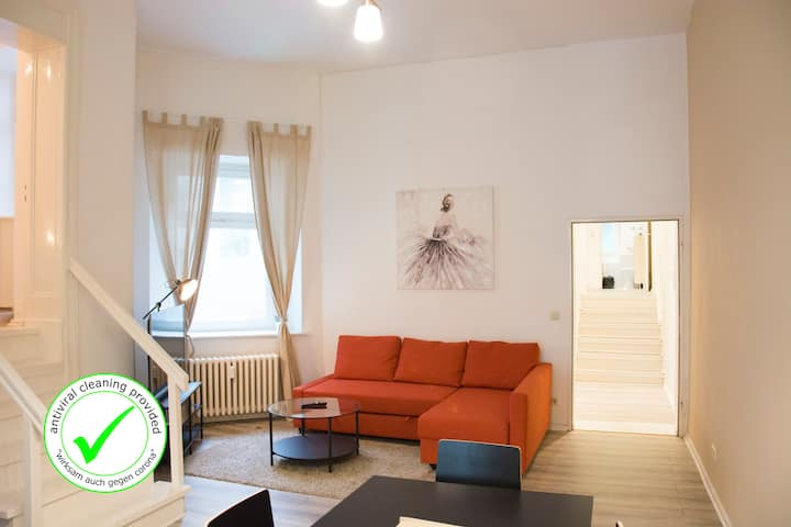 MITTE 4BR +A/C +Self Check-in +free Street Parking