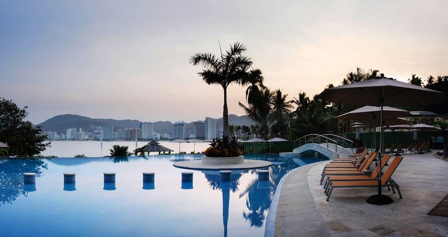 Luxury Beachfront Bay View Grand Villa Alejandra