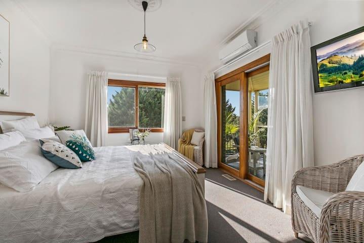 Palms Room
