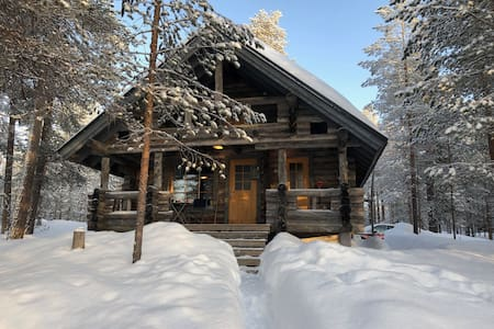 Idyllic log wood cabin in Hossa , 1 hour from Ruka