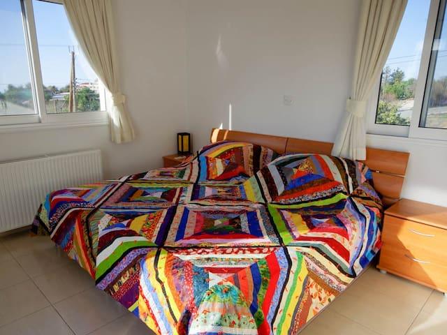 Twin 1st floor bedroom