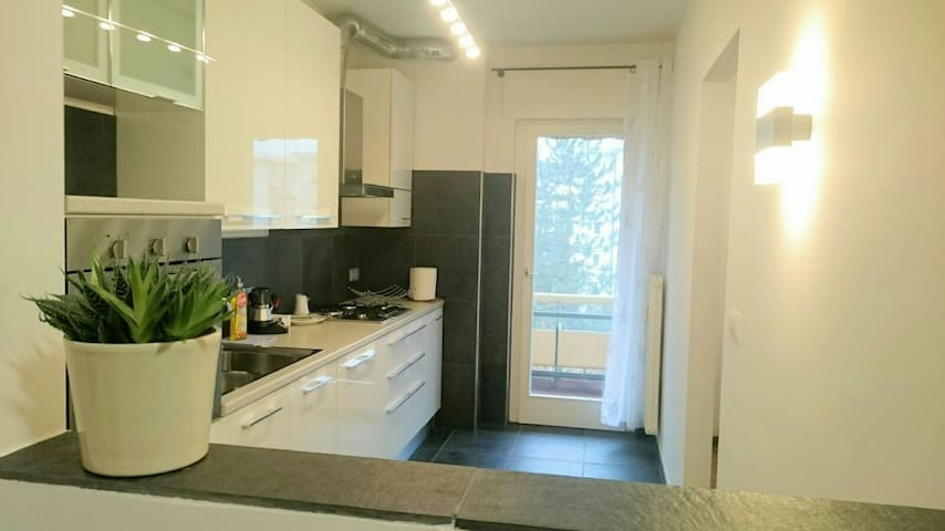 Modern apartment in the city centre - Bolzano - Daire