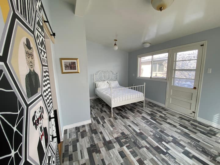 A brand new and unique style room for you