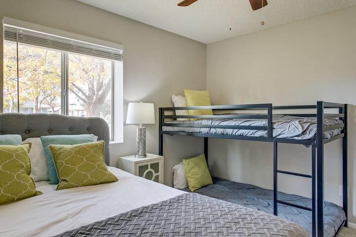 Bedroom 2 - Queen bed with bunk beds