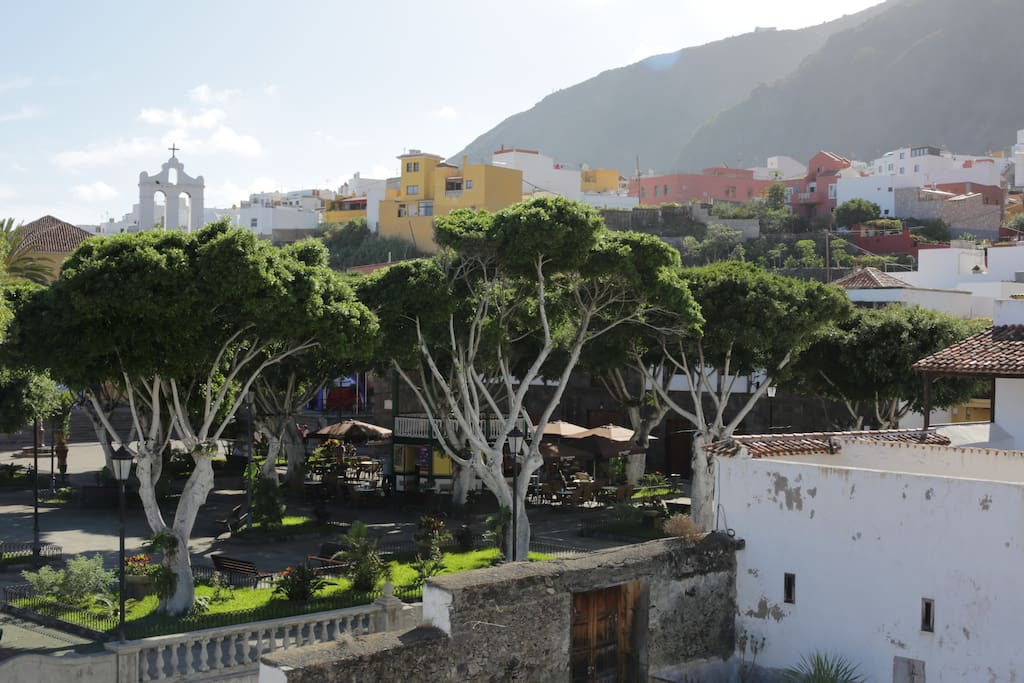 In front of the Hostal, the squear village of Garachico