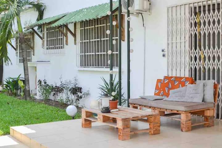 Studio mitoyen villa - jardin & pergola - Zone 4