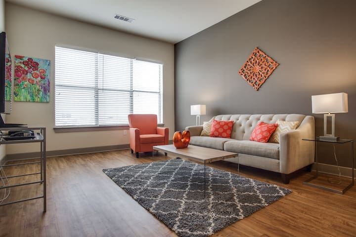 Lovely 1/1 by the Galleria ZBROAD2402 - Dallas - Apartment