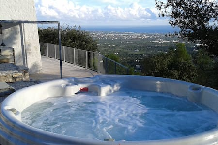FANTASTIC SEA VIEW HOUSE with JACUZZI