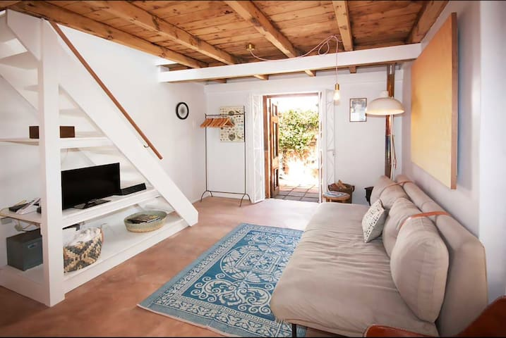 Kalk Bay Gem-Cottage on Windsor(Fisherman's Cove)