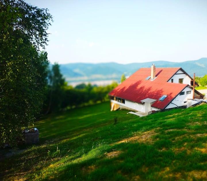 Cabana din Dealul Cucului Muntii Rodnei