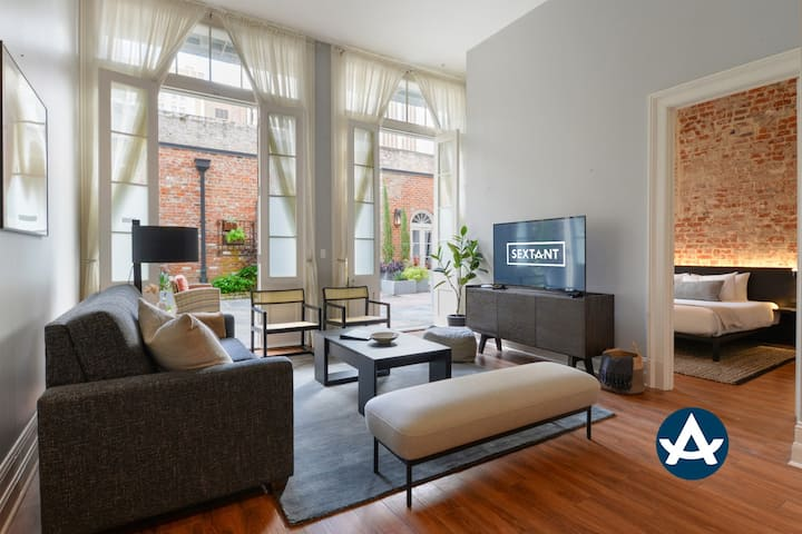 Sextant | Factors Row | 2 Bedroom Courtyard #101 | 4 blocks to Bourbon St