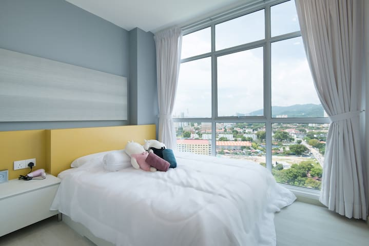 ★ Couples Getaway ★ Cozy Suite Sleeps 1~4 | 城市海景套房