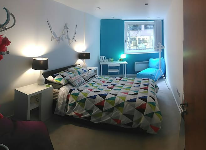 Commercial District Gorgeous Private Room&Bathroom - Liverpool - Apartment