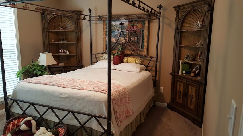 Warm cozy Derby rental Beautiful countryside - Simpsonville - Maison