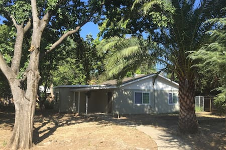 3 Bedroom Peaceful and Private House near Bethel - Redding - Casa
