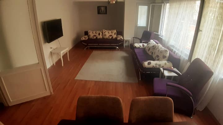 3 room Nearby Subway Metrobus Memorial only family