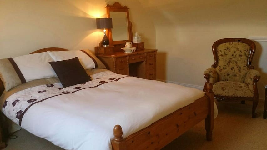 The Lotts B&B On Tranquil Valentia